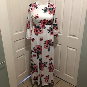 🆕 3/4 Sleeve Floral Maxi Dress White